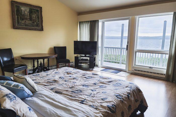Bar Harbor View Cottage - master bedroom