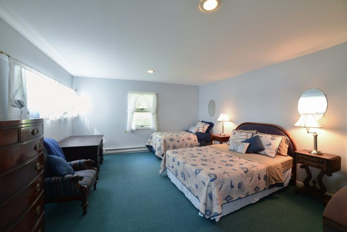 Bar Harbor View Cottage - upstairs bedroom